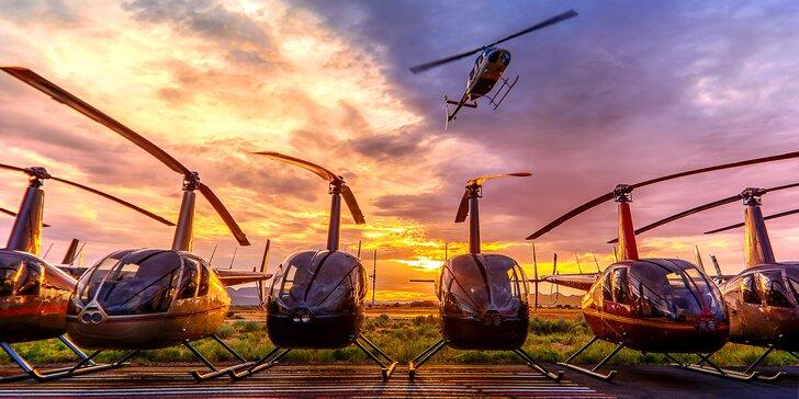 Vzrušující let vrtulníkem pro 1 nebo 3 osoby: až 30 minut letu