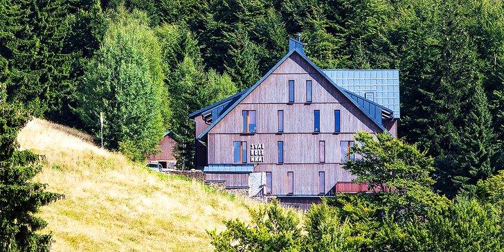 Týdenní letní pobyt pro 4 až 8 osob v luxusním apartmánu v Krkonoších
