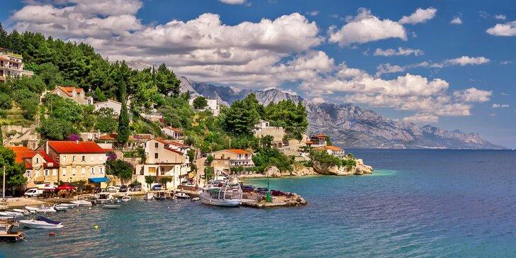 Báječný týden na Omišské riviéře v Chorvatsku: doprava a 7 nocí v apartmánu