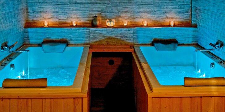 Romantické privátní wellness se saunou, vířivkami i lahví vína pro dva