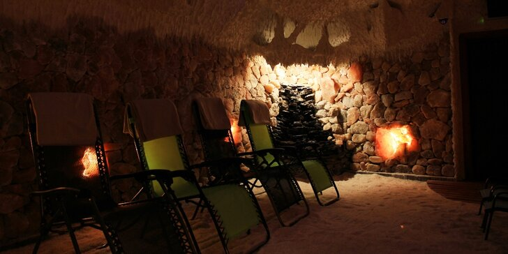 Dva vstupy do oblíbené solné jeskyně Solanka