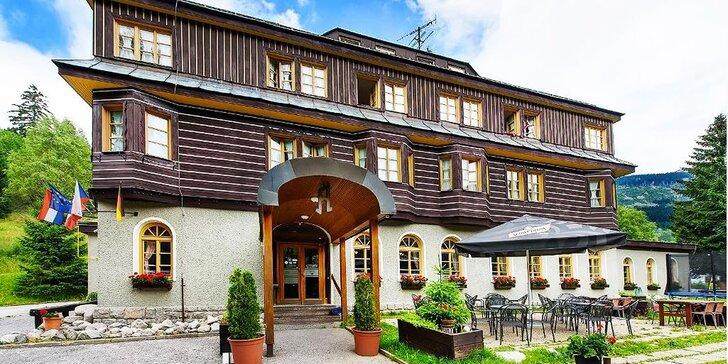 Dokonalý relax ve Špindlerově Mlýně: 3*+ hotel s polopenzí, vířivka a sauna