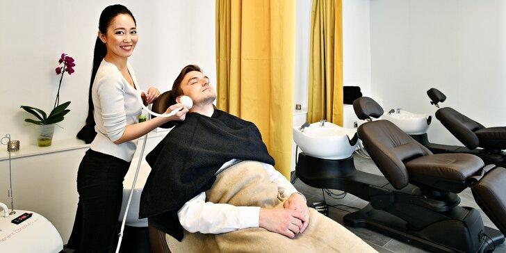 Japonská masáž hlavy s parafínovým zábalem nebo bylinnými razítky
