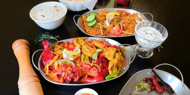 Kuřecí či tandoori specialita dle výběru, jehněčí vindaloo i mix pro partu