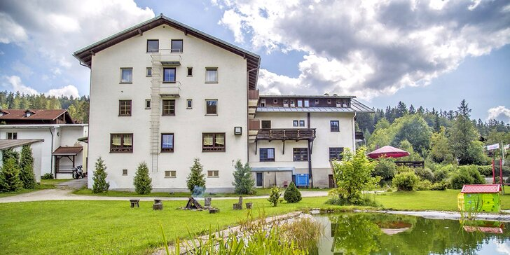 Aktivní relax pro páry i rodiny na německé straně Šumavy: polopenze a sauna