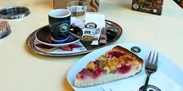 Smlsněte si na něčem dobrém: káva podle výběru a koláč pro 1 nebo 2 osoby
