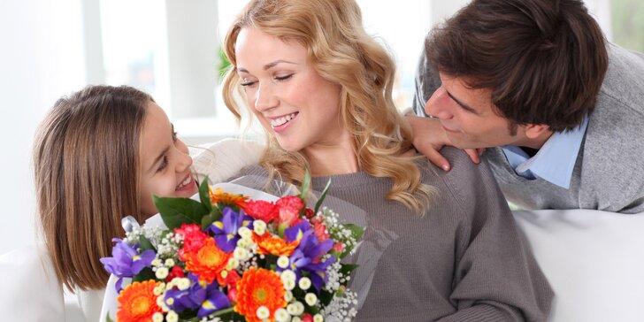 Překvapení, které vykouzlí úsměv na rtech: extra dlouhé růže i celé kytice