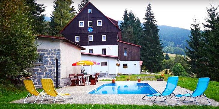 3 až 8 letních dní v Krkonoších: bohatá polopenze a vyhřívaný venkovní bazén