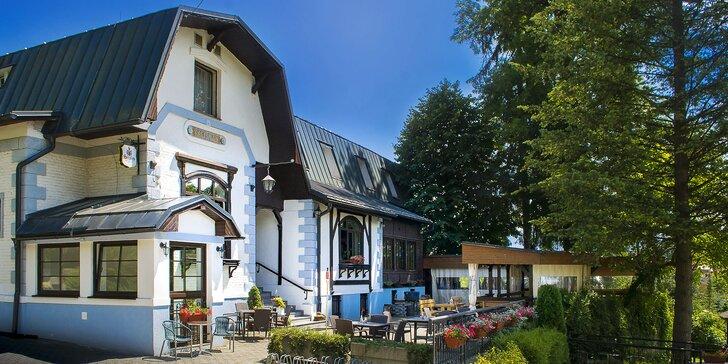 Letní romance v centru lázeňského města se snídaní pro dva