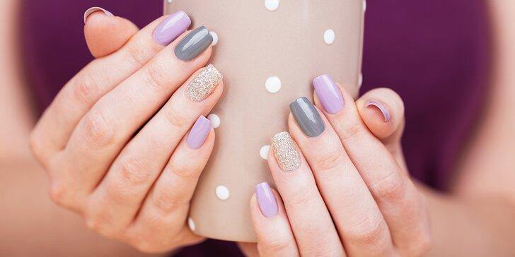 Krásné ruce a nožky: manikúra nebo pedikúra včetně lakování