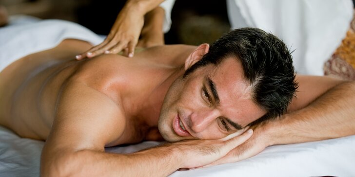 90 minut relaxu pro muže: thajská masáž, aroma lázeň a vychlazené pivo k tomu