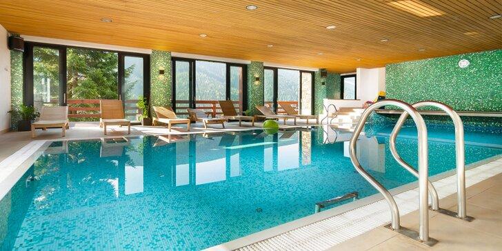 Relax ve Špindlu: snídaně či polopenze, vířivka a neomezený vstup do bazénu