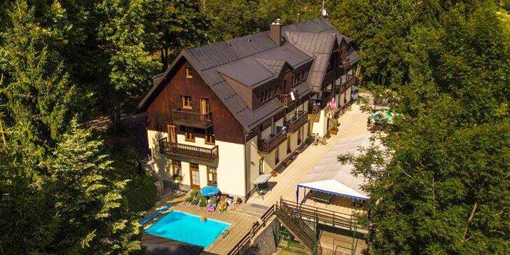 4–7 letních dní ve Špindlu: polopenze, bazén i 60 min. v sauně a vířivce