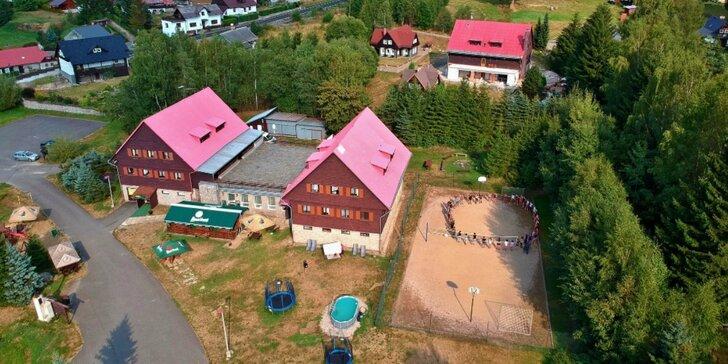 3–8 dní v Jizerských horách pro páry i rodiny: polopenze s all inclusive nápoji a bazén
