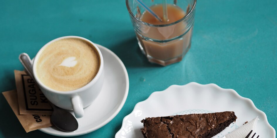 Vypít si v klidu kafe? S dětmi? V kavárně u Divokých matek to jde samo