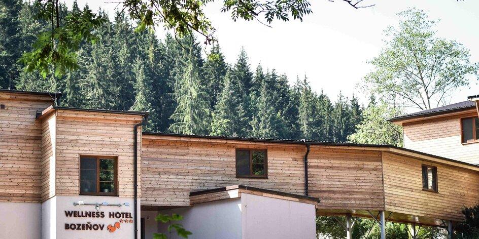 Wellness hotel Bozeňov: adrenalin park venku, vodní postel a totální relax vevnitř