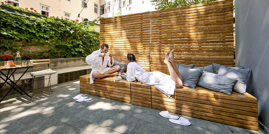 90 minut wellness s vířivkou a saunou až pro 3 os.