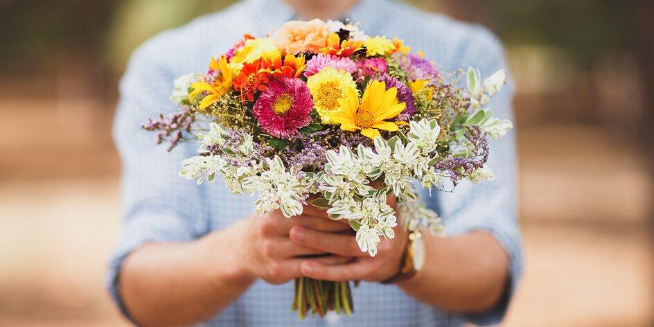Dát kytku může být trapas: jaká se hodí na první rande a co darovat muži