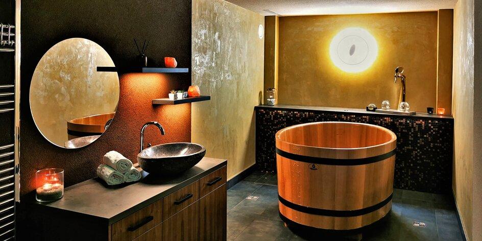 Relax v sauně a růžová koupel s vínem pro 2 osoby