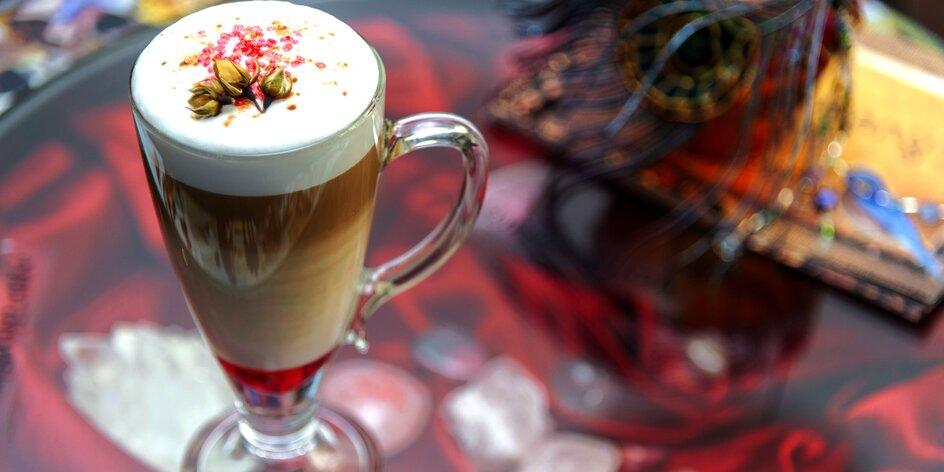 Klasická nebo speciální káva, případně i muffin