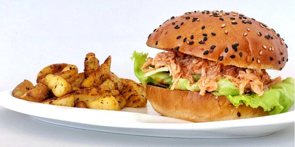 Dva kuřecí burgery s přílohou až k vám domů