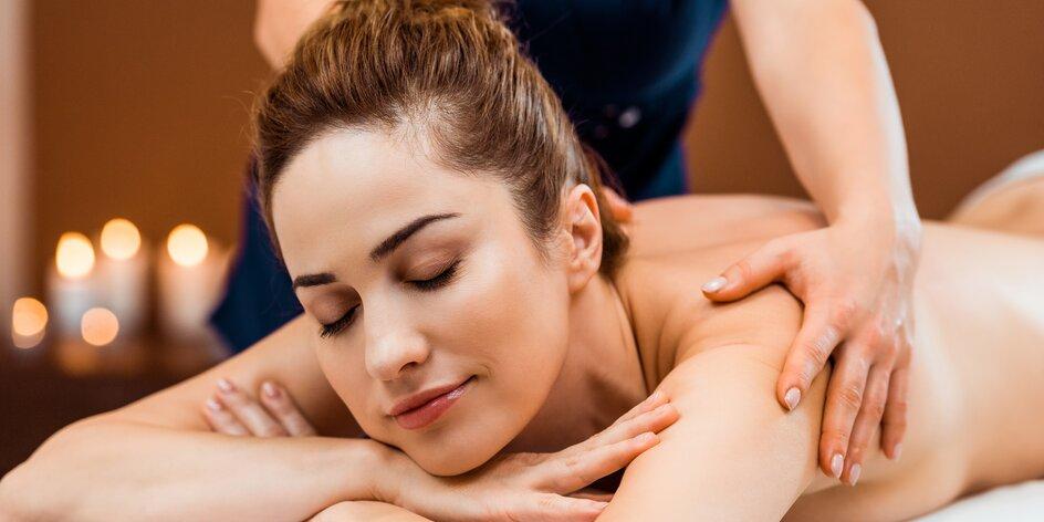 60 až 90 minut masáže: lávové kameny i aroma masáž
