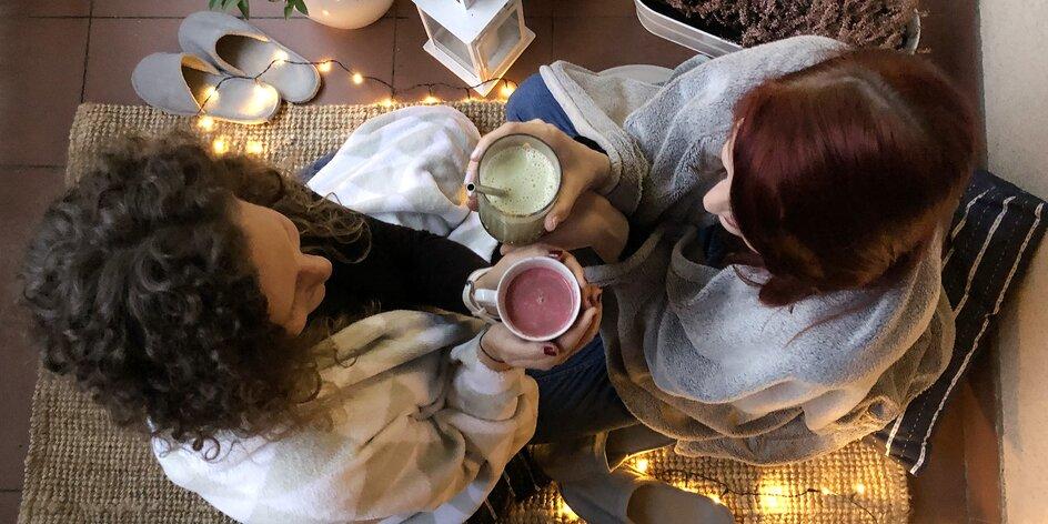 Čím se doma zahřát? Vyzkoušejte řepové latte, matchu nebo chai latte