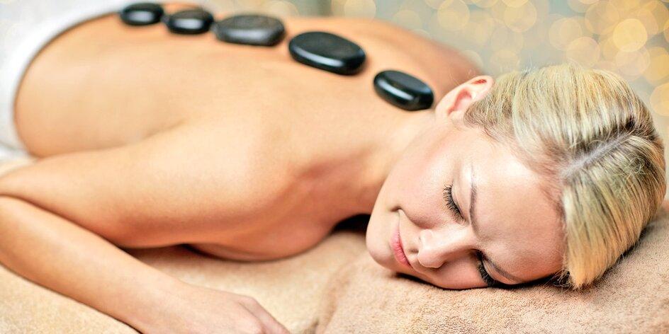 Relaxační masáž zad a přiložení lávových kamenů