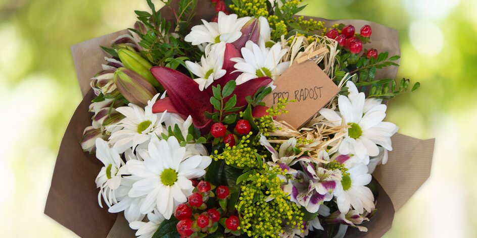 Vázané kytice s přáním dle výběru