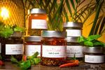Ochucené oleje z Česka: kari, chilli, bazalka, petržel