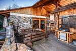 Pohádkový pobyt ve skvěle vybavených chatách s wellness až pro 10 osob