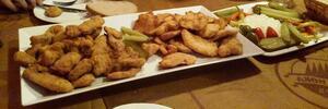 1 kg řízků, tatarák a hranolky U Bizona