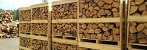 Štípané dubové dřevo do krbu