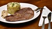 Restaurace U Parléře: 300g rumpsteak s přílohou