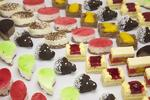 Mňamky na párty: Kanapky, minidezerty a dort