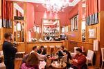 Káva s dezertem dle výběru pro 1–2 os. u Vltavy