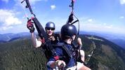 Tandem paragliding: tichý let nad krajinou