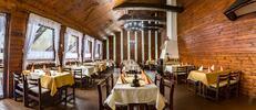 Dvě porce halušek v restauraci Koliba