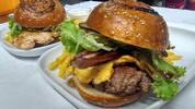 Pro 1, pár i partu: až 4 super burgery z nabídky