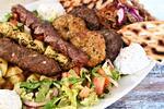 Řecká hostina pro dva: 6 druhů masa a přílohy