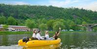 S kamarády na Vltavu: motorový člun na hodinu