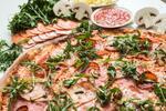 Jedna nebo dvě obří pizzy s průměrem 45 cm