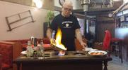 Tatarák pro dvě osoby a desatero topinek s česnekem