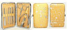 Plně vybavené manikúry v praktických pouzdrech