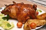 Celé uzené kuře s oblohou a pečivem pro dva
