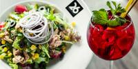 Caesar nebo tuňákový salát a domácí ledový čaj