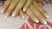 Krásné a upravené nehty kosmetikou Crystal Nails