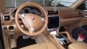 Detailní vyčištění vnitřku i vnějšku auta