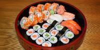 Rozmanitý sushi set pro 1, 2 i 4 labužníky