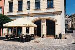 2x horký punč v kavárně v centru Olomouce